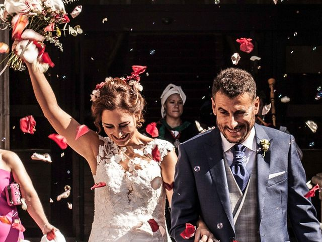La boda de Sergio y Lorena en Gijón, Asturias 35