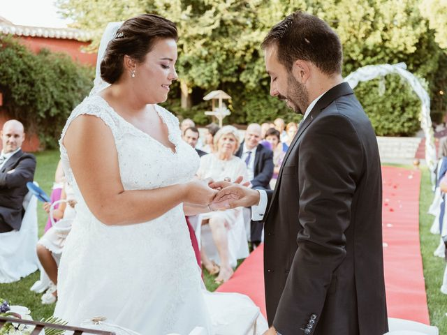 La boda de Carlos y Eva en Esquivias, Toledo 33