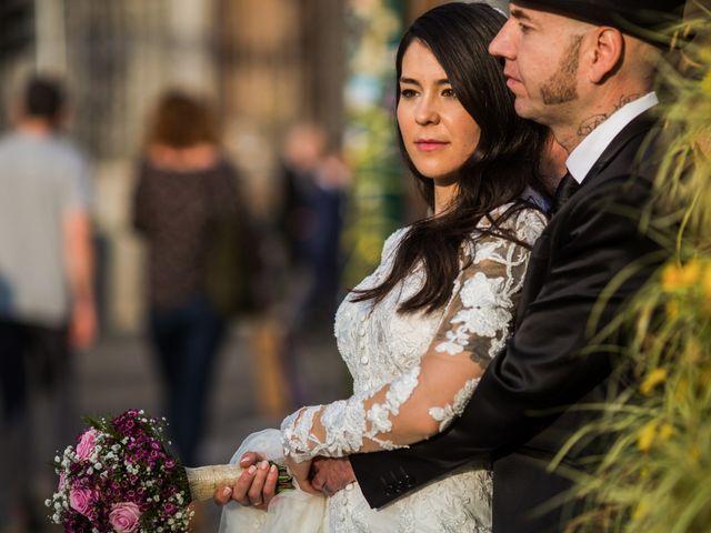 La boda de Carlos y Patricia en Madrid, Madrid 24