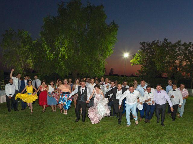 La boda de Javi y Eva en El Batan, Cáceres 32
