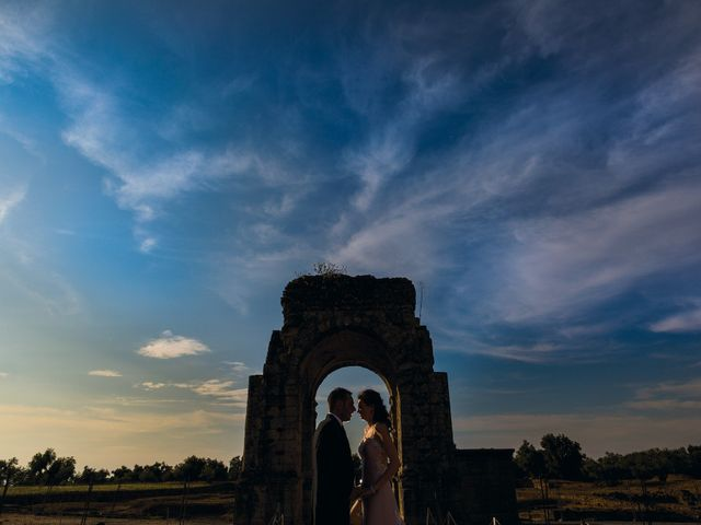 La boda de Javi y Eva en El Batan, Cáceres 33