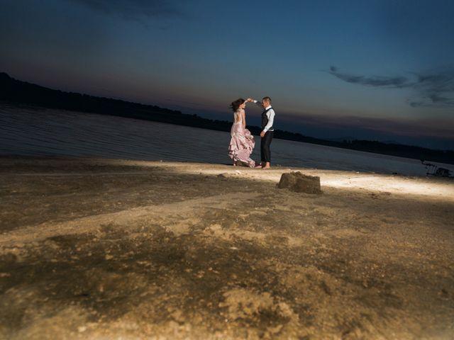 La boda de Javi y Eva en El Batan, Cáceres 43