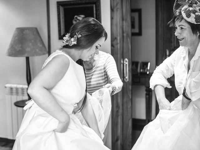 La boda de Alberto y Lara en San Cucao, Asturias 4