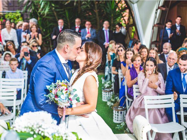 La boda de Alberto y Lara en San Cucao, Asturias 11
