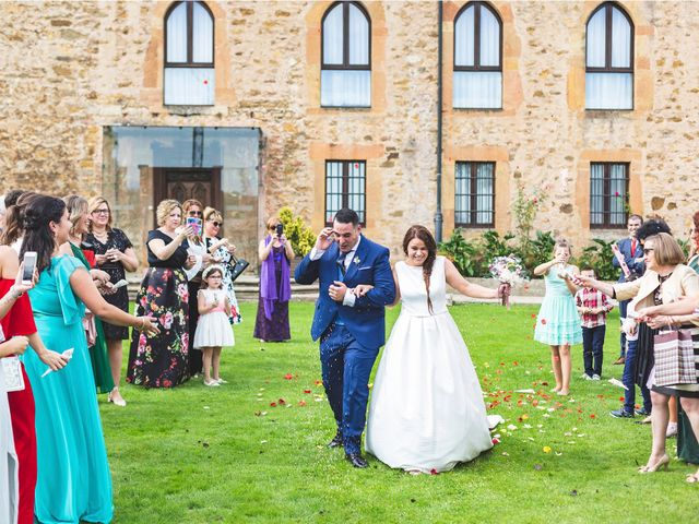 La boda de Alberto y Lara en San Cucao, Asturias 12
