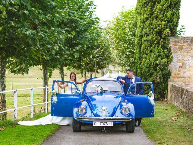 La boda de Alberto y Lara en San Cucao, Asturias 13
