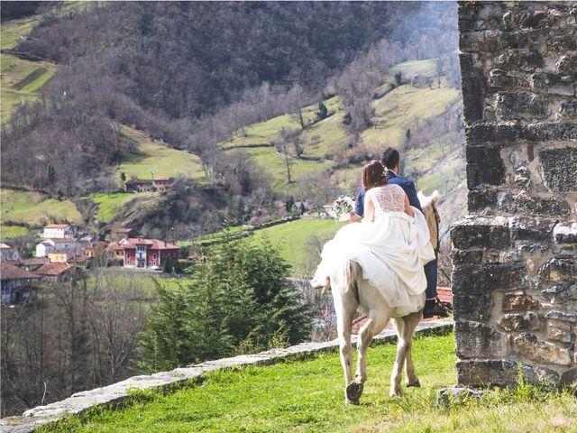 La boda de Alberto y Lara en San Cucao, Asturias 27