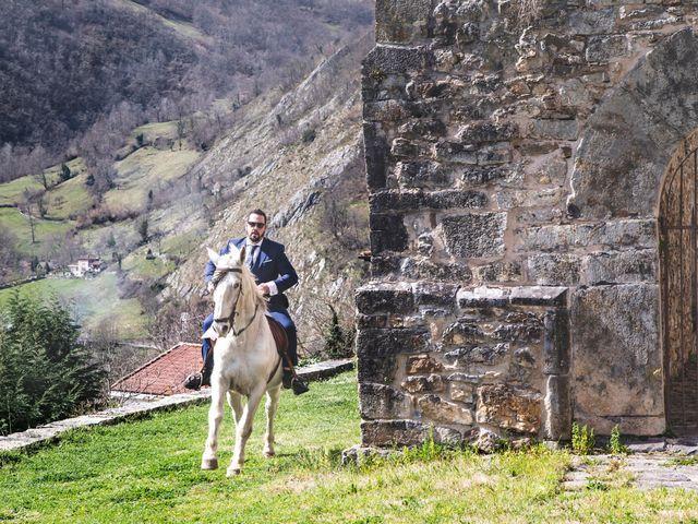 La boda de Alberto y Lara en San Cucao, Asturias 28