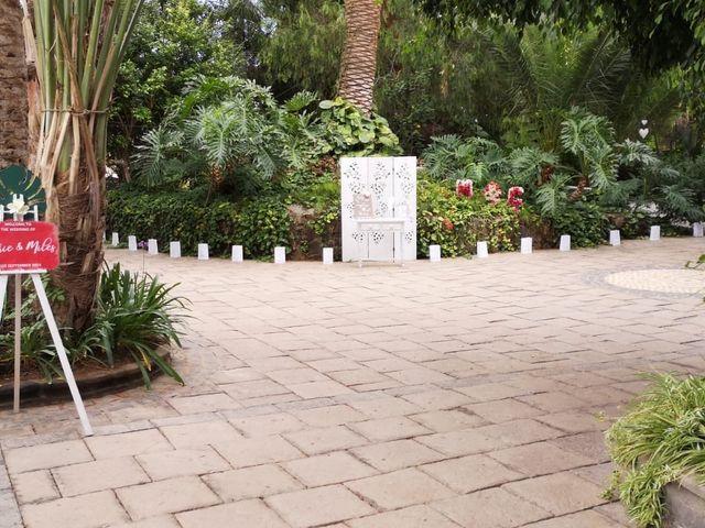 La boda de Miles y Cherie en Santa Cruz De Tenerife, Santa Cruz de Tenerife 2