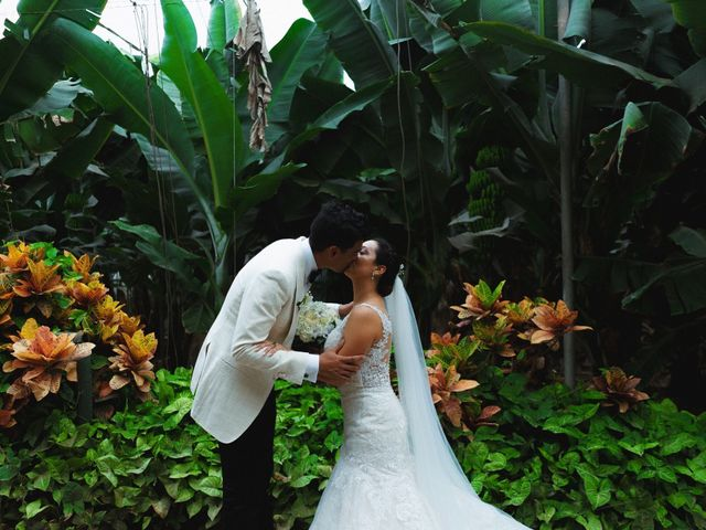 La boda de Miles y Cherie en Santa Cruz De Tenerife, Santa Cruz de Tenerife 13