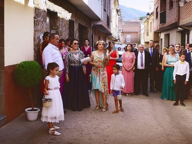 La boda de Isidro y Melissa en Cabezuela Del Valle, Cáceres 57