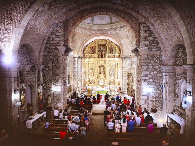 La boda de Isidro y Melissa en Cabezuela Del Valle, Cáceres 68