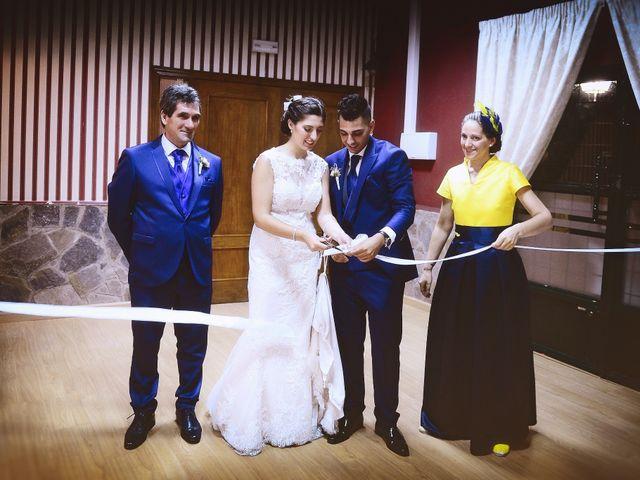 La boda de Isidro y Melissa en Cabezuela Del Valle, Cáceres 84