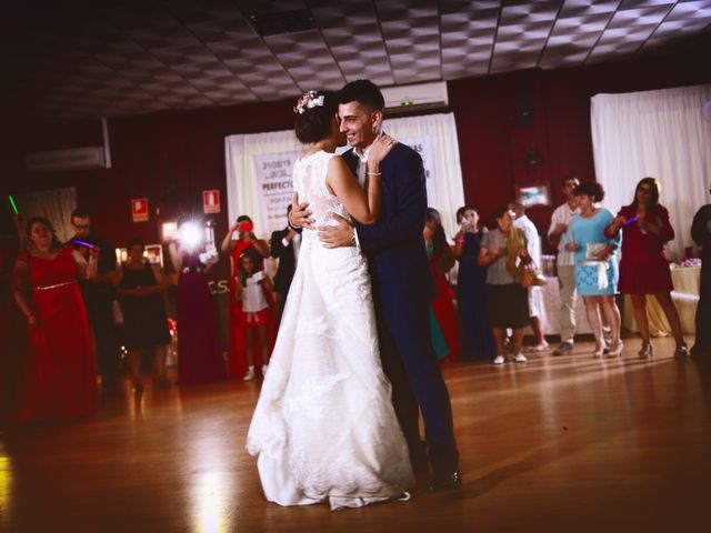 La boda de Isidro y Melissa en Cabezuela Del Valle, Cáceres 91