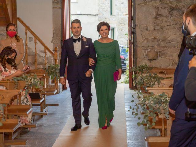La boda de Carlos y Emma en Viveiro (Casco Urbano), Lugo 14