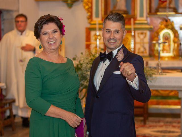 La boda de Carlos y Emma en Viveiro (Casco Urbano), Lugo 15