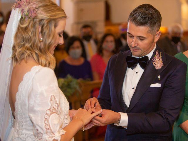 La boda de Carlos y Emma en Viveiro (Casco Urbano), Lugo 20