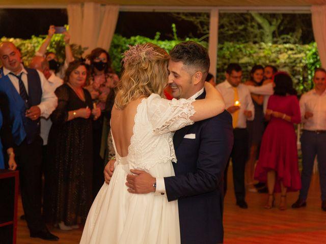 La boda de Carlos y Emma en Viveiro (Casco Urbano), Lugo 43
