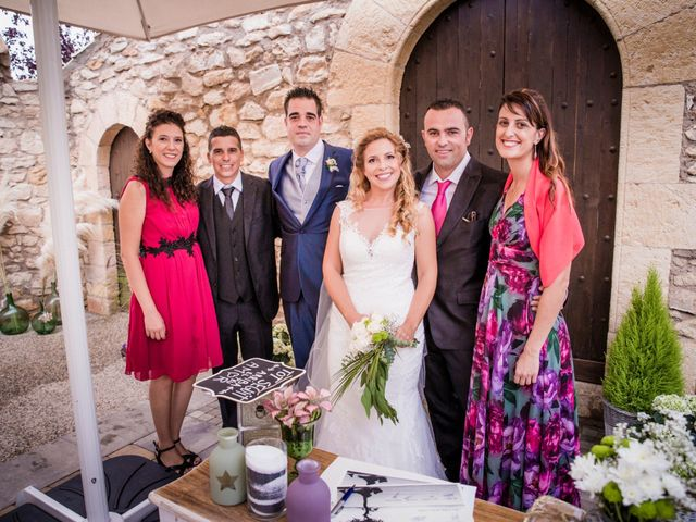 La boda de Albert y Eva en La Riera De Gaia, Tarragona 87