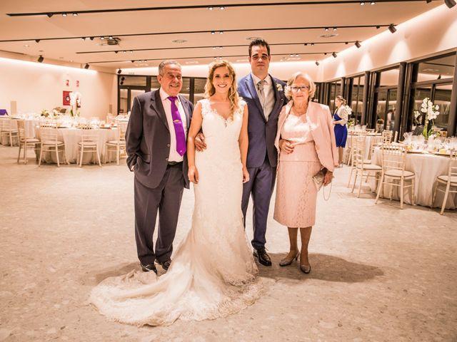 La boda de Albert y Eva en La Riera De Gaia, Tarragona 127