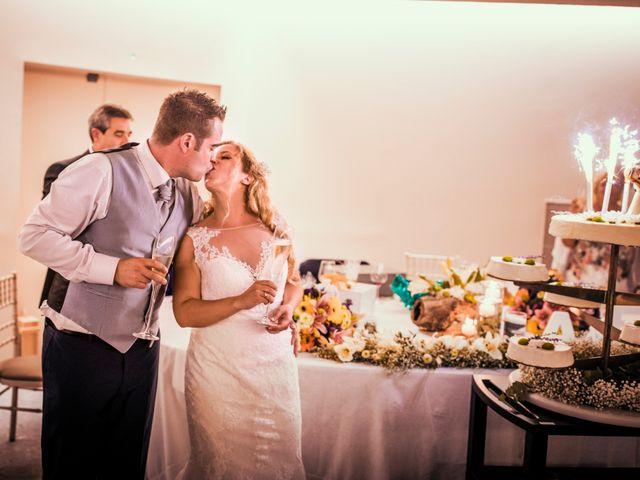 La boda de Albert y Eva en La Riera De Gaia, Tarragona 232