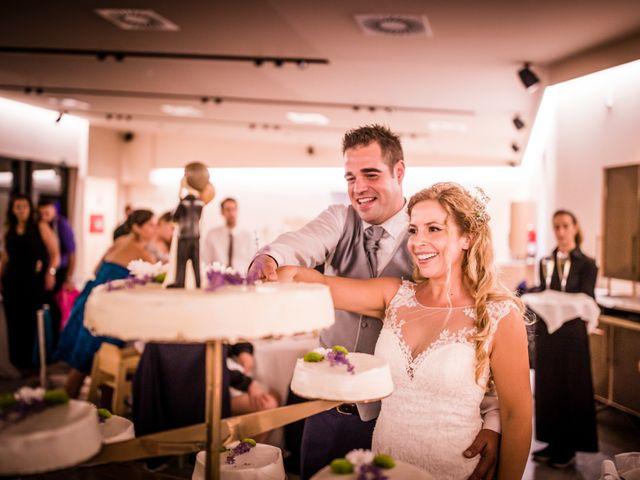 La boda de Albert y Eva en La Riera De Gaia, Tarragona 233