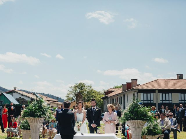 La boda de David y Lucia en Torazo, Asturias 32