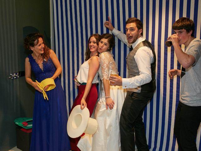 La boda de Eneko y Irati en Donostia-San Sebastián, Guipúzcoa 41