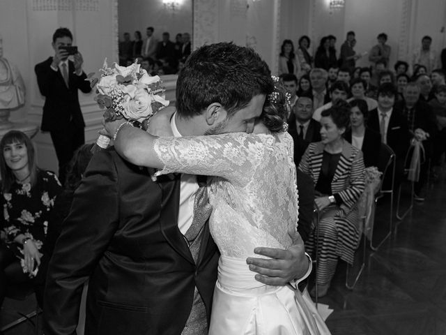 La boda de Eneko y Irati en Donostia-San Sebastián, Guipúzcoa 25