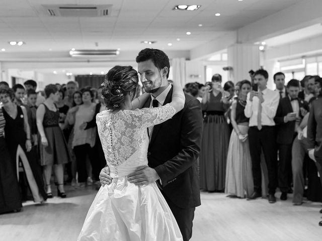 La boda de Eneko y Irati en Donostia-San Sebastián, Guipúzcoa 32
