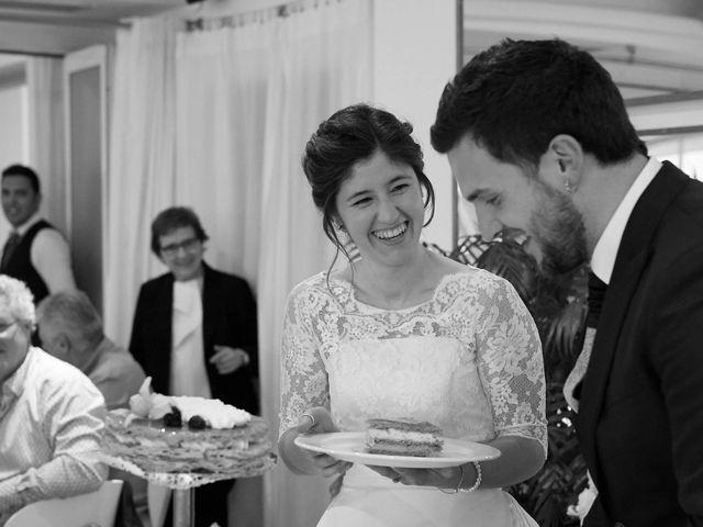 La boda de Eneko y Irati en Donostia-San Sebastián, Guipúzcoa 36