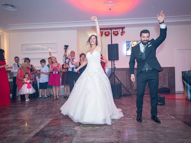 La boda de Carlos y Judith en Villamediana De Iregua, La Rioja 11