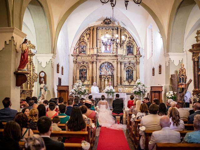 La boda de Carlos y Judith en Villamediana De Iregua, La Rioja 28