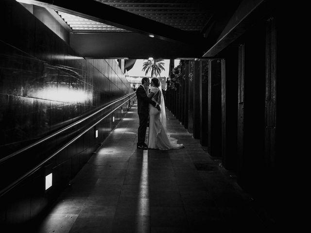 La boda de Luis y Isabel en Sevilla, Sevilla 1