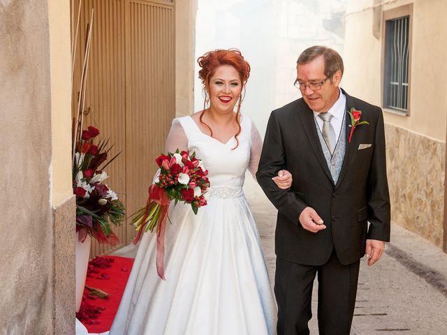 La boda de Cristian y Silvia en L' Alcora, Castellón 31