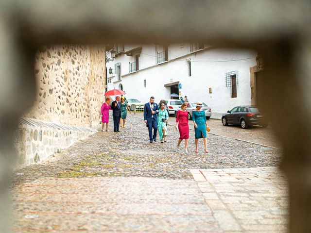 La boda de Pedro y Nuria en Cañamero, Cáceres 9