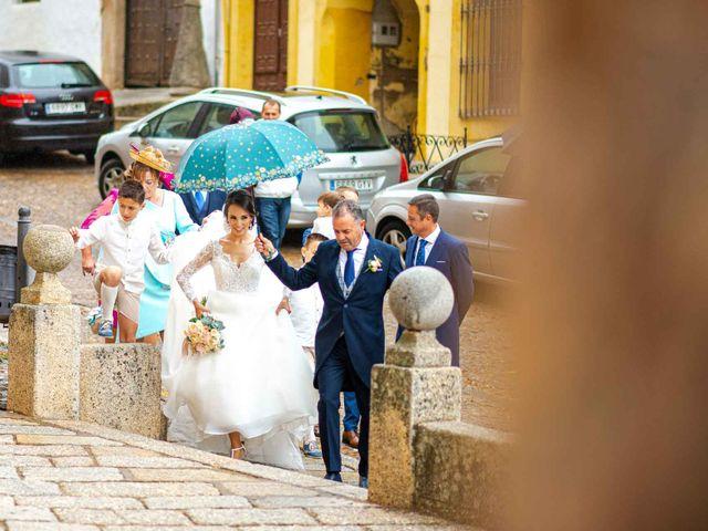 La boda de Pedro y Nuria en Guadalupe, Cáceres 37