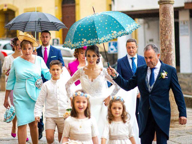 La boda de Pedro y Nuria en Cañamero, Cáceres 1