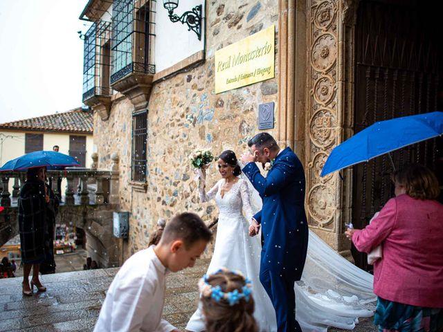 La boda de Pedro y Nuria en Cañamero, Cáceres 56