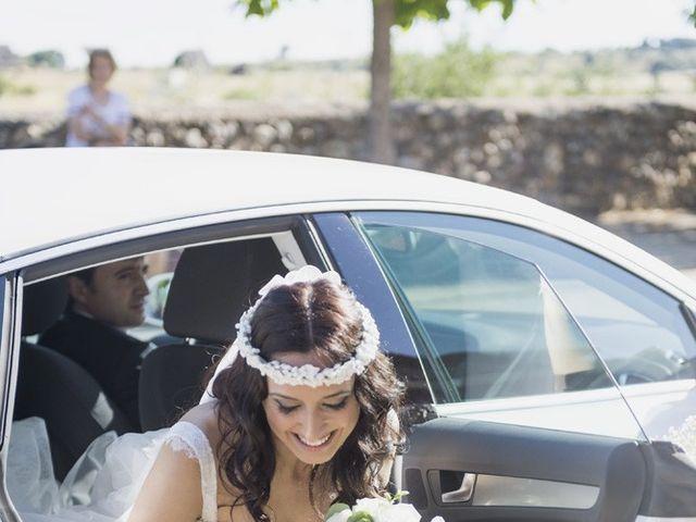 La boda de Carlos y Esther en León, León 14