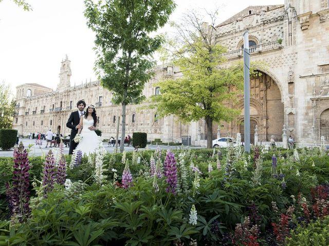 La boda de Carlos y Esther en León, León 31