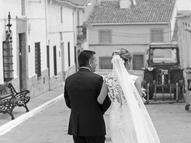 La boda de Joshua y Paula en Campillo De Altobuey, Cuenca 8
