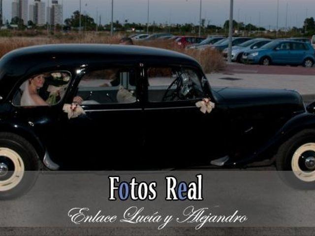 La boda de Alejandro y Lucía en San Fernando, Cádiz 41