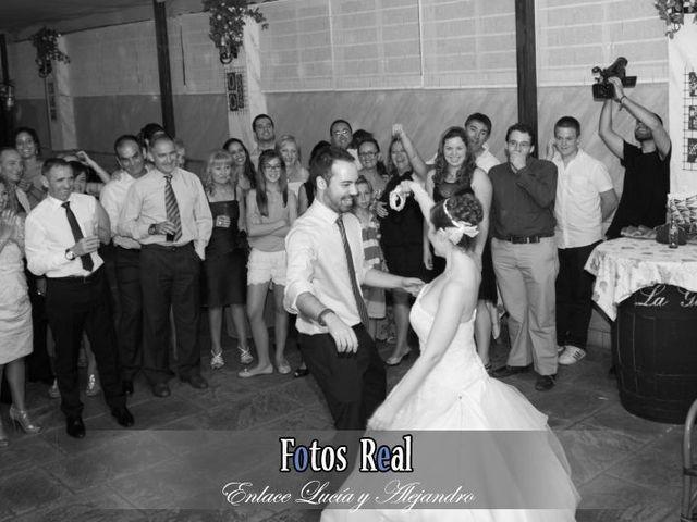 La boda de Alejandro y Lucía en San Fernando, Cádiz 43