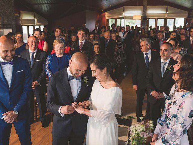 La boda de Andrés y Aurora en Ortiguera (Coaña), Asturias 20