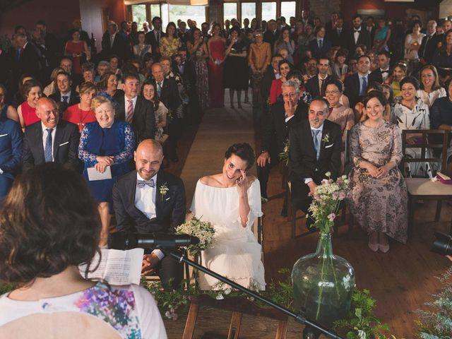 La boda de Andrés y Aurora en Ortiguera (Coaña), Asturias 21