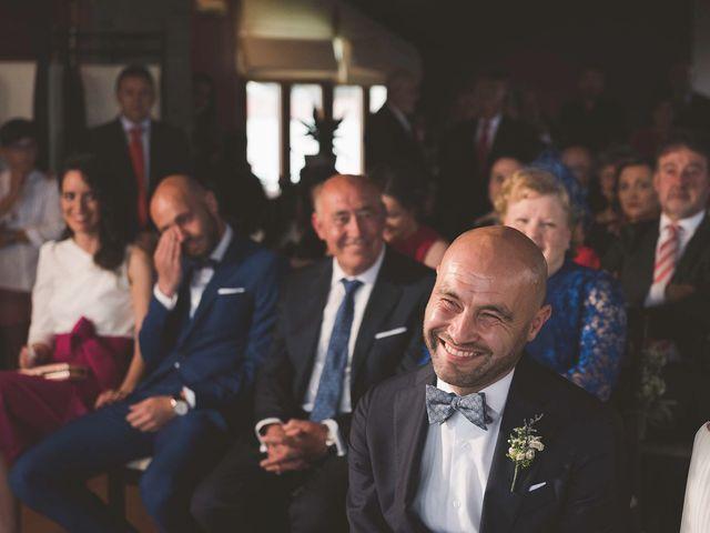 La boda de Andrés y Aurora en Ortiguera (Coaña), Asturias 24