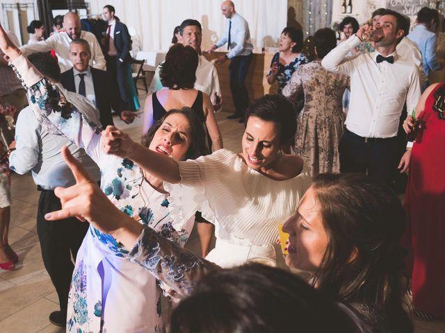 La boda de Andrés y Aurora en Ortiguera (Coaña), Asturias 46