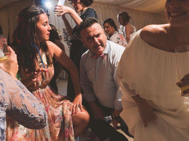 La boda de Andrés y Aurora en Ortiguera (Coaña), Asturias 48