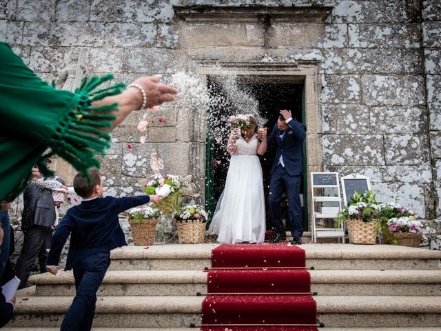 La boda de Ricardo y Silvia en Noalla (Sanxenxo), Pontevedra 33